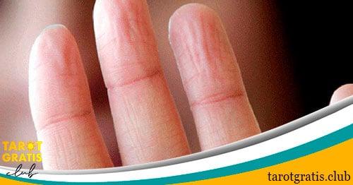 soñar con dedos - tarot gratis club
